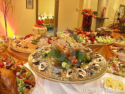 Expensive oyster table
