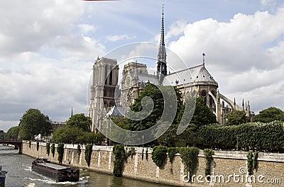 Exterior apse notre dame cathedral paris