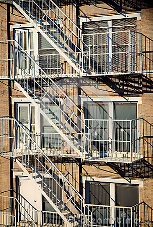 Free Exterior Of A Building With Old Fire Escape In  New York City Royalty Free Stock Photos - 95684608