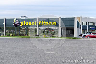 How the Westmont Theatre Became a Planet Fitness