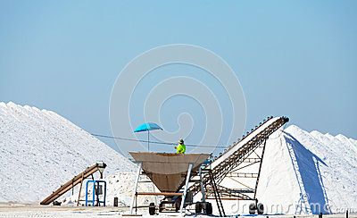 Extraction of salt