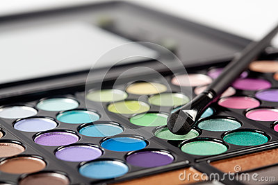 Eyeshadow Pallet and Brush
