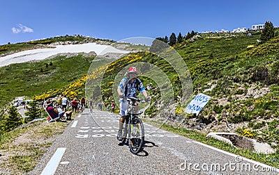 Fã do Tour de France do Le Foto Editorial