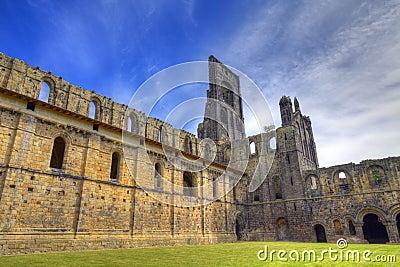 Fördärvar historiskt medeltida för abbey