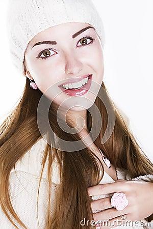 Förtjust lycklig kvinnaframsida - toothy leende för skönhet