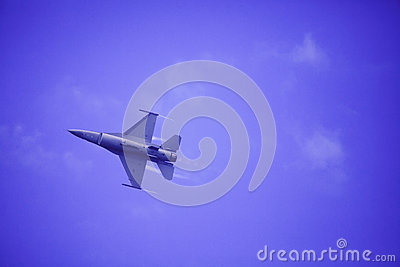 F 16 flies at Kaneohe Bay airshow Editorial Stock Image