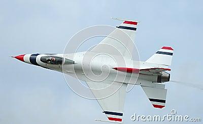 F-16 solo of Thunderbirds