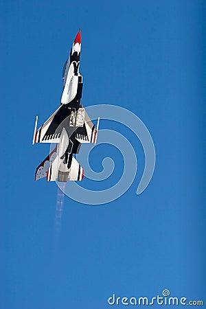 Free F-16 Thunderbird Figther Jet Royalty Free Stock Photos - 3810028