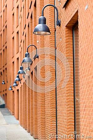 Fa ade d 39 immeuble de brique rouge moderne photo libre de for Facade immeuble moderne