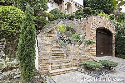 Fa ade en pierre de placage sur l 39 ext rieur de maison for Placage pierre exterieur