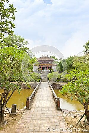 Façade of Minh Lau Pavilion, Salutation Court