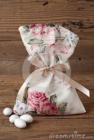 Free Fabric Pouch Wedding Favor Stock Photography - 48410942