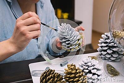 Fabrication des d corations pour no l image stock image - Fabrication de decoration de noel ...
