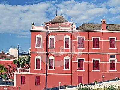 Facade colonial