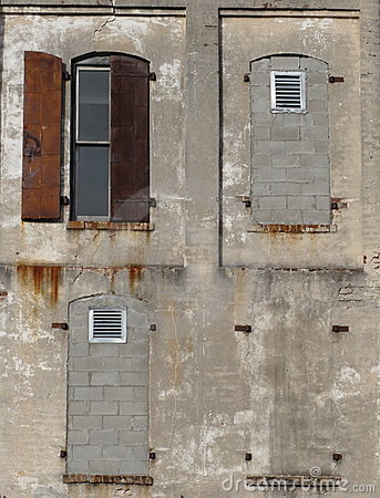 Facade - walled windows