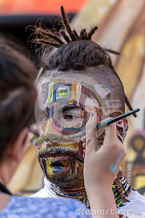 Free Face And Body Painting Of A Man Stock Image - 89959401