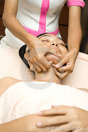 Face massage in skincare treatment