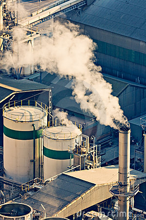 Free Factory With Smoke Royalty Free Stock Images - 22524229