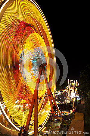 Free Fair Ride At Night Royalty Free Stock Images - 33727559