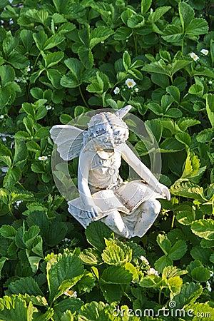 Free Fairy Garden Statue Stock Image - 15643961