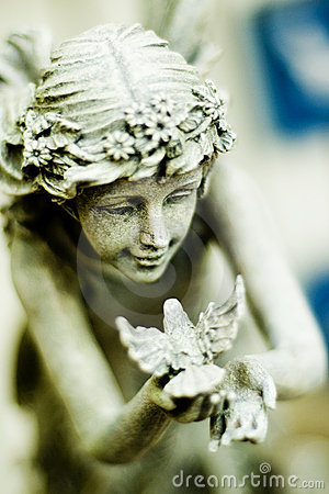 Free Fairy Statue Royalty Free Stock Image - 1592666