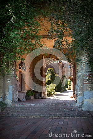 Free Fairytale Castle Entrance Royalty Free Stock Images - 103400349
