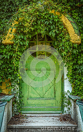 Free Fairytale Cottage Door Royalty Free Stock Image - 37153756