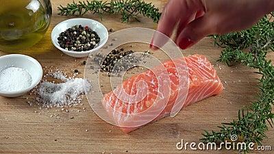 Faixa salmon crua vídeos de arquivo