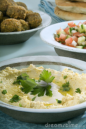 Falafel de Hummus e salada do árabe