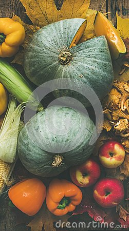 Free Fall Colorful Vegetables Assortment Over Wooden Table Background. Food Texture Royalty Free Stock Photography - 103771557
