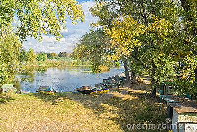 Fall season at boating station