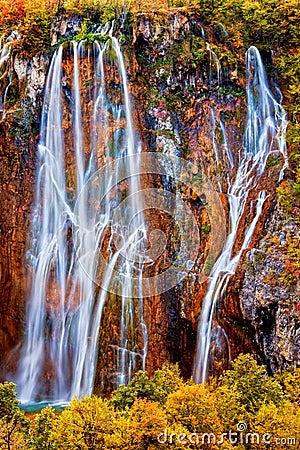 Free Fall Waterfall Royalty Free Stock Photography - 18310037