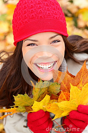 Free Fall Woman Holding Autumn Leaves Stock Photography - 26210692