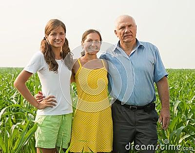 Familie auf Landschaft