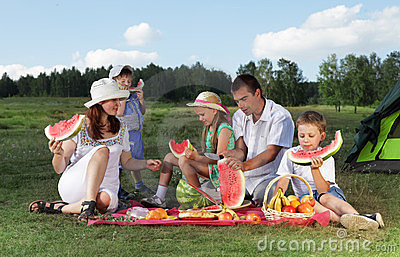 Families picnic
