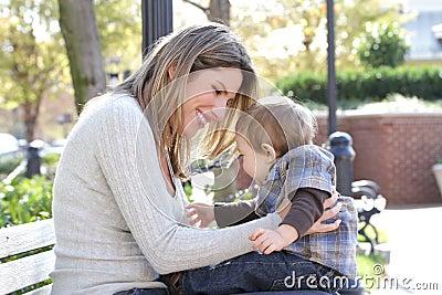 Famille : Fils de mère et de chéri