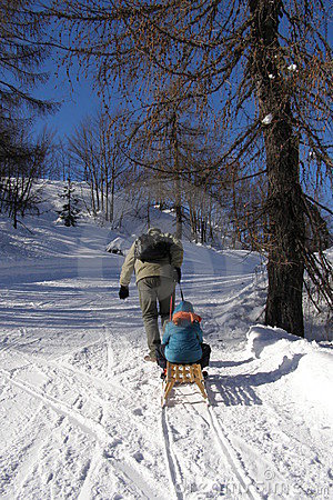 Free Family And Winter Fun Royalty Free Stock Images - 12224739