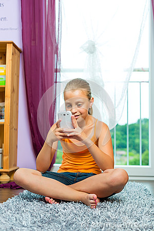 Family - child with cell or smartphone