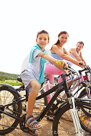 Family of cyclists