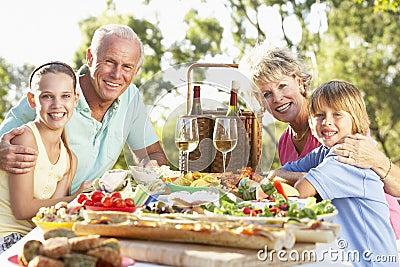 Family Dining Al Fresco