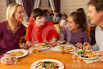 family eating lunch together in restaurant stock images meal clip art pic meal clipart breakfast lunch and dinner