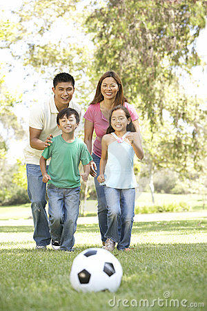 Free Family Enjoying Day In Park Royalty Free Stock Photography - 12405457