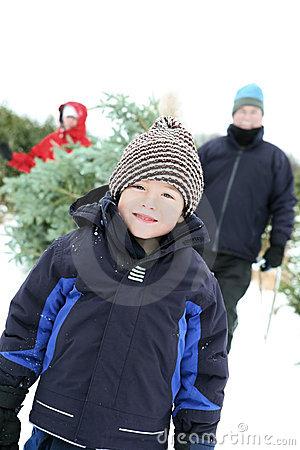 Free Family Getting A Christmas Tree Stock Photography - 7565342