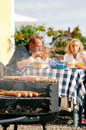 Free Family Having A Barbecue Party Royalty Free Stock Images - 12335379