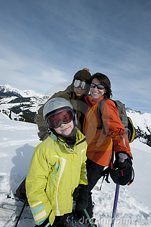 Free Family In Ski Royalty Free Stock Photography - 12280307