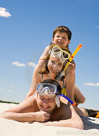 Free Family Of Divers Royalty Free Stock Images - 9647359