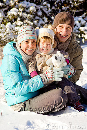 Free Family Playing In Snow Royalty Free Stock Photo - 15015835
