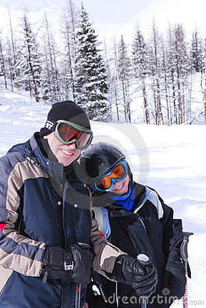 Free Family Skiing Royalty Free Stock Photo - 3049955