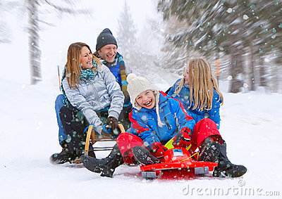Family-snow-fun 06