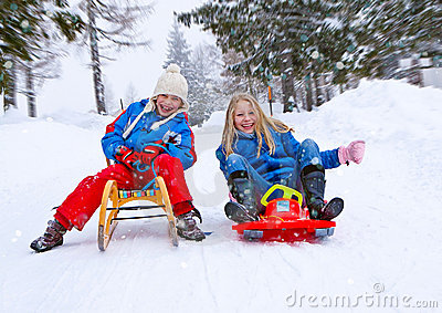 Family-snow-fun 07